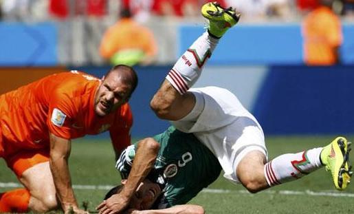 ثاني وقت مستقطع للاسترخاء بالمونديال في مباراة هولندا والمكسيك