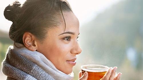 4 مشروبات تقوي مناعتك وتحميك من نزلات البرد