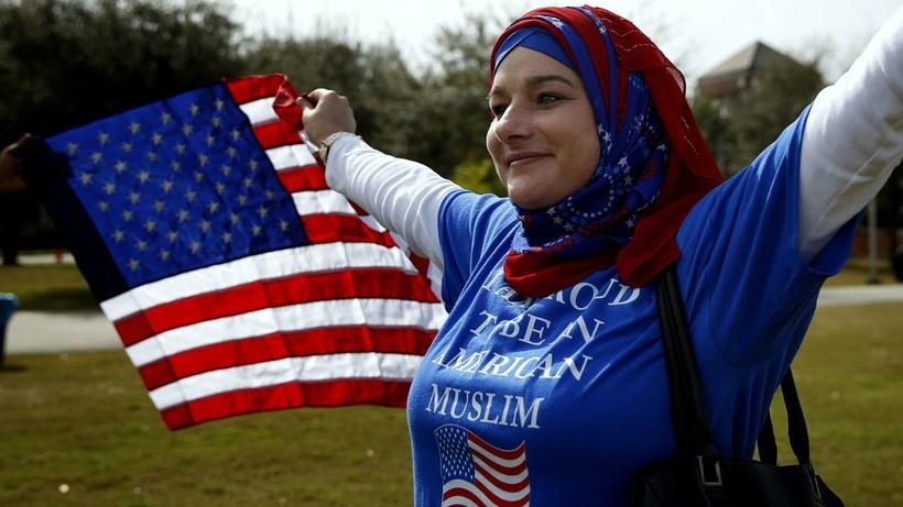 """رغما عنك يا """"ترامب""""...الإسلام سيكون هو ثاني الديانات انتشارا بأمريكا بعد سنوات قليلة"""
