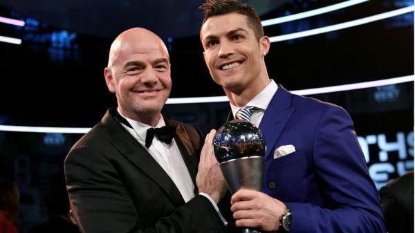 الفيفا يحدث تغييرات جذرية في جائزة أفضل لاعب و يغير موعدها الى أكتوبر