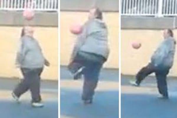 بالفيديو   .....بريطاني سمين يدخل عالم الشهرة في لعبة كرة القدم
