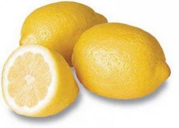 """"""" الماء ... الليمون .. الخيار """" مشروب تخسيس لنجوم هوليوود"""