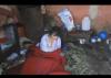 امرأة و ابنتها المعاقة يعيشان وسط الأوساخ .. جماعة مرشوش باقليم الخميسات