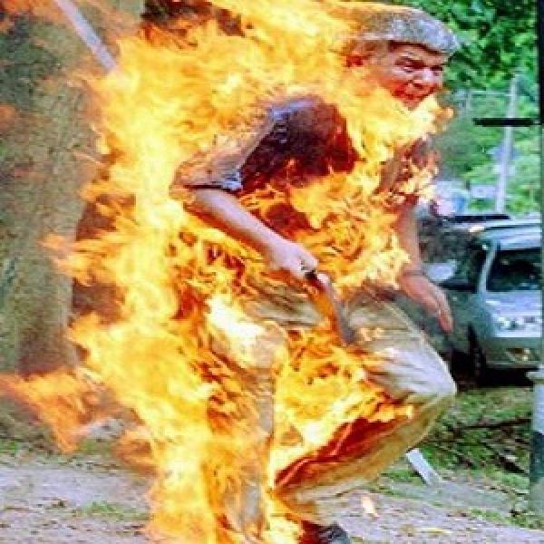 مراكش :وفاة البائع المتجول الذي أحرق نفسه احتجاجا على حجز السلطات لبضاعته