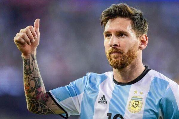 إيقاف ميسي أربع مباريات دولية بداية من لقاء بوليفيا