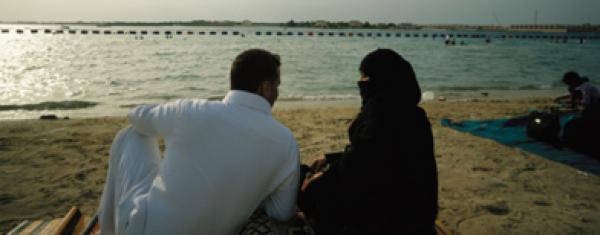 على طريقة الأفلام الهندية إلغاء عقد قران سعودي بابنة أخته في اللحظات الأخيرة