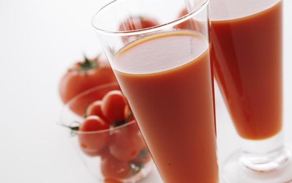 عصير الطماطم يساعد على تعافي العضلات بعد التمارين الشاقة
